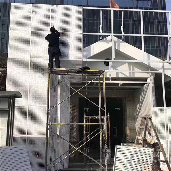 重庆幕墙铝单板安装时为什么要留缝?