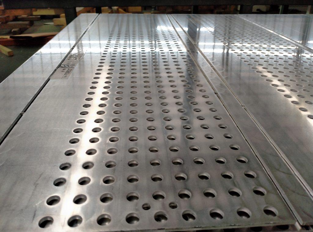 冲孔铝单板吊顶用在通道上怎么样?